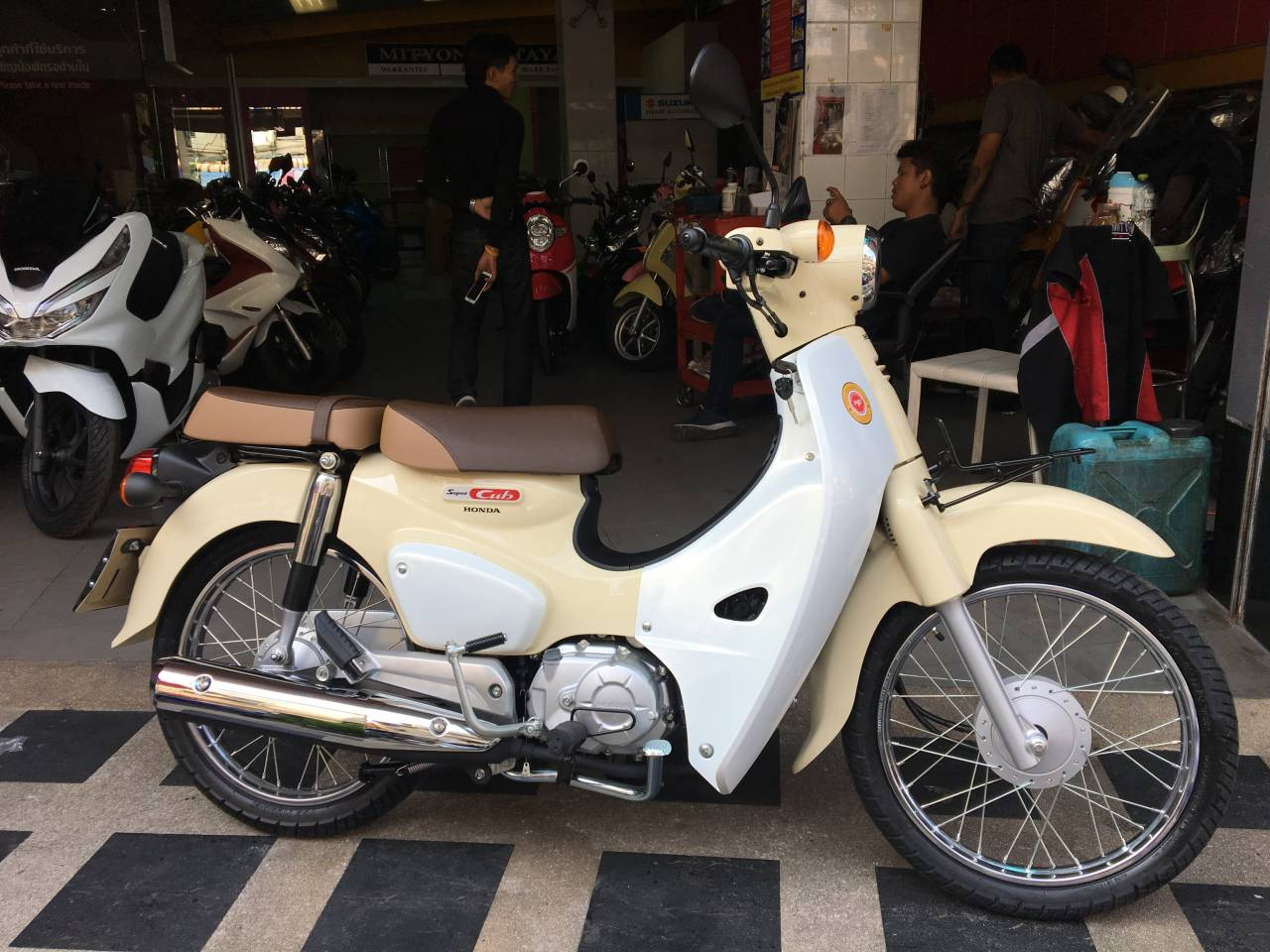 Customer S Motorcycle Mrp S Honda Super Cub 110 C110 Custom Webike